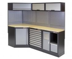 Complete werkplaatsinrichting, werkbank + hoekstuk met multiplex werkblad, gereedschapskast, 223 x 200 cm.