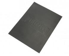 Zachte dunne non-woven foam mat met logo 379 x 597 x 2,5 mm voor lade gereedschapswagen