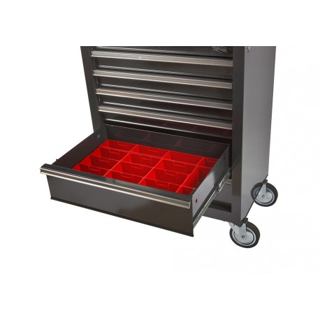 Lade gevuld met rode kunststof bakken type 5