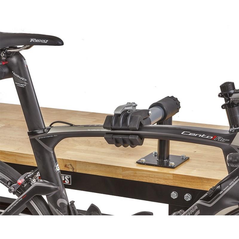Montagestandaard voor werkbank fietsophangsysteem for Montage des stands