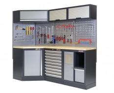 Complete werkplaatsinrichting, werkbank + hoekstuk met multiplex blad, gereedschapskast gevuld met gereedschap, 223 x 200 cm.